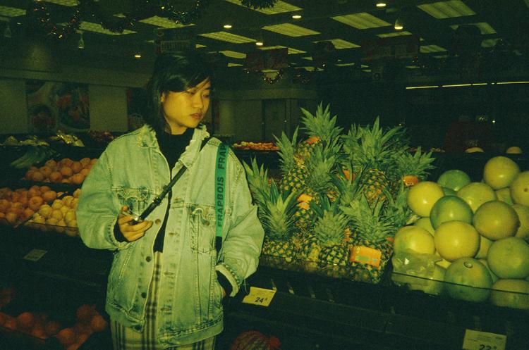 midnight-shopping-with-man_mandychiu